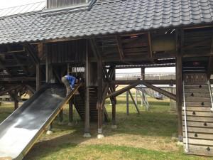 遊具場滑り台